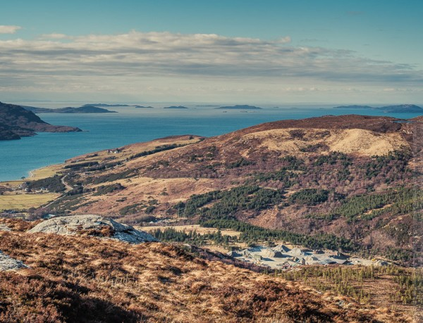 Small isles and gravel